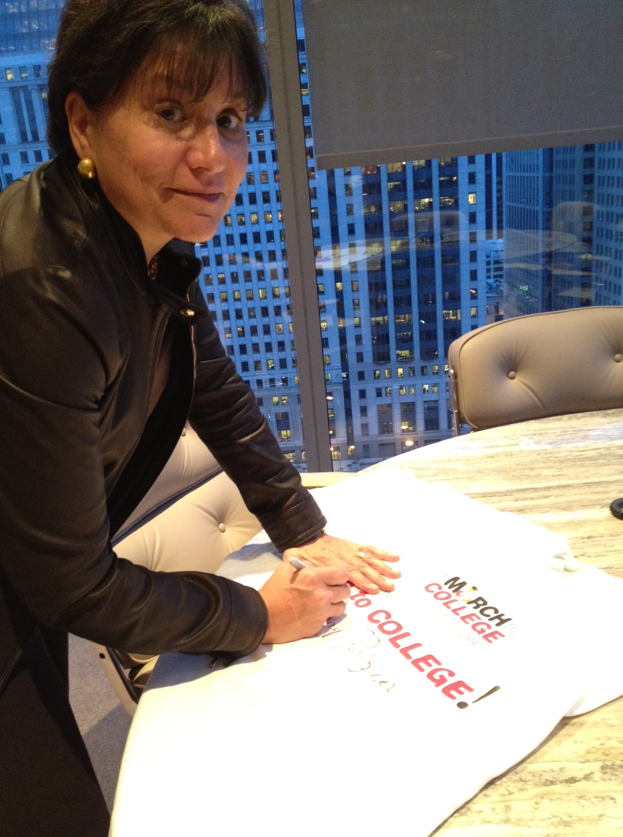 Penny_Pritzker_Signing2